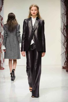 A look from Rachel Zoe's fall/winter 2016 show. Photo: Imaxtree