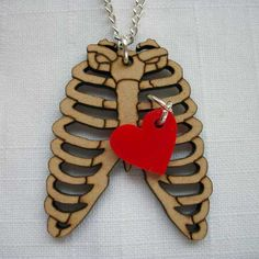 http://blog.paperkutz.co.za/wp/wp-content/uploads/2012/02/Ribs-and-red-heart-necklace.jpg