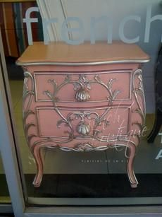 Hymer Bombay Bedside Table Pink with Silver Decor Dresser Furniture, Chalk Paint Furniture, French Furniture, Shabby Chic Furniture, Table Furniture, Furniture Makeover, Furniture Ideas, Desk Makeover, Repurposed Furniture