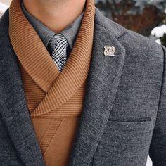 Nice look. Blazer: @lifeafterdenim Sweater: @perryellis Shirt: @jcrew Tie: @anivycopenhagen Pin: @pintrill