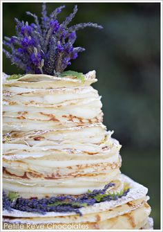 Over 300 layers of light golden brown crepes filled with lavender Madagascar vanilla bean infused cream and dusted with powered sugar ~ Frech Crepe Cake created by Kate Dunbar, owner of Petite Rêve Chocolates in Ventura, CA / Photography: Lavendar Twine Alternative Wedding Cakes, Wedding Cake Alternatives, Dessert Crepes, Crepes Filling, Cupcake Cakes, Cupcakes, French Crepes, Crepe Cake, Cake Blog