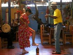 Dominican Republic Merengue Dancing on a bottle - YouTube