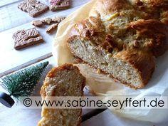 In der Weihnachtsbäckerei: Weihnachtlicher Hefezopf mit Mandel Spekulatius als Geschenk aus meiner Küche