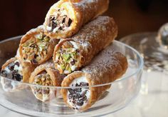Sicilian Cannoli with Ricotta Filling. The ultimate traditional Sicilian dessert! Impress your family and friends this Christmas with ricotta filled cannoli. Sicilian Cannoli Recipe, Sicilian Recipes, Italian Cookies, Italian Desserts, Italian Pastries, Italian Foods, Eclairs, Comida Siciliana, Ricotta