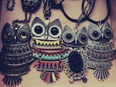 Image discovered by s. Find images and videos about necklace, owl and cute fashion on We Heart It - the app to get lost in what you love. Owl Jewelry, Jewelery, Jewelry Accessories, Fashion Accessories, Jewelry Chest, Jewelry Shop, Jewelry Crafts, Silver Jewelry, Jewelry Necklaces
