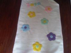 Fleece Baby Blanket: Cream Cream Flowers
