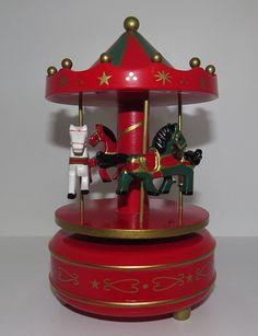 Carrossel Vermelho Ref: TCAR001 Dimensões (cm): 20 alt x 8 diam Cor: vermelho Qtde disponível: 2 Valor por peça: R$ 8,00