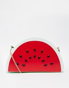 Buy Skinnydip Watermelon Clutch Bag at ASOS. With free delivery and return options (Ts&Cs apply), online shopping has never been so easy. Get the latest trends with ASOS now. Novelty Handbags, Picnic Outfits, Unique Purses, Latest Shoes, Coque Iphone, Summer Fruit, Pin Up Style, Beautiful Bags, Clutch Bag