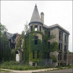 Some estimate that there are as many as 10,000 abandoned homes & structures in Detroit...