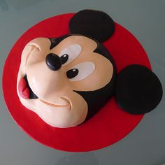 Mickey Mouse cake, by Karine Zablit - © Walt Disney
