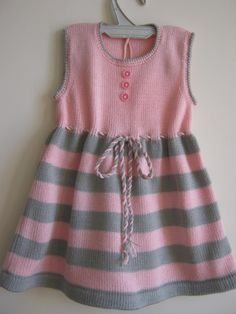 Baby Booties Knitting Pattern, Baby Knitting, Crochet Baby, Knitting Patterns, Girls Knitted Dress, Knit Dress, Hood Pattern, Free Pattern, Toddler Dress