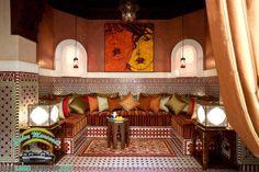 Antiquité pour un Salon marocain traditionnel 2017  se diversifie pour donner des typologies de meubles de splendide qualité et vous pouvez...