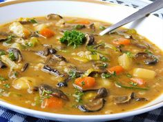 Cheeseburger Chowder, Thai Red Curry, Ramen, Treats, Ethnic Recipes, Fit, Soups, Red Peppers, Sweet Like Candy