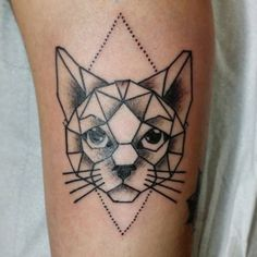 #tattoo #tattoos #instatattoo #tat #tatted #inked #inkedup #traditionaltattoo #geometrictattoo #geometriccat #cat #cattattoo #linework #blackwork #blackworkers #cesarlfc