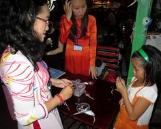 Students Selling Dream Catchers at Cafe Zoom, Saigon, Vietnam | Paul McAfee's Personal Blog
