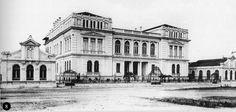 Primeiro edifício da Escola Politécnica, projetado por Ramos de Azevedo, foi o Paula Souza, na praça Fernando Prestes (atual Fatec) próximo à avenida Tiradentes. Foto: Guilherme Gaensly.