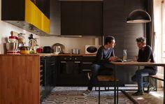 Uma cozinha grande era importante para o Florian e o Fabien, que adoram cozinhar