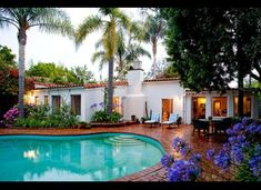 Marilyn Monroe only lived in her Los Angeles home for about nine months before her life came to a tragic end in Tour the hacienda-style house.: Marilyn Monroe's Pool and Garden Spanish Style Homes, Spanish Revival, Spanish House, Spanish Colonial, Spanish Tile, Spanish Backyard, Spanish Landscaping, Marilyn Monroe House, Marylin Monroe