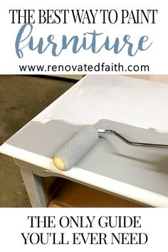 A Better Alternative To Chalk Paint (Best Type of Paint for Wood Furniture) - Diy Möbel Diy Furniture Easy, Diy Furniture Projects, Refurbished Furniture, Repurposed Furniture, Furniture Makeover, Farmhouse Furniture, Painted Furniture, Laminate Furniture, Antique Furniture