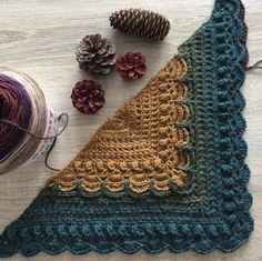 Lost in time shawl with Papatya Cake