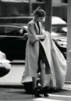 Image via We Heart It https://weheartit.com/entry/157304943/via/3829553 #blackandwhite #coat #cute #fashion #heels #model #photo #photography #sexy #streetstyle #style