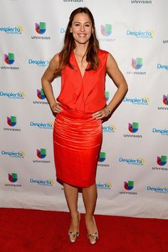 Jennifer Garner in Lanvin paired with Christian Louboutin pumps makes an appearance on Univisions Despierta America. #bestdressed