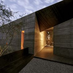 Desert Courtyard House by Wendell Burnette Architects, AZ #Usa ...