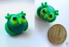 Маленькая совушка из полимерной глины.