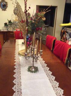 Centro de mesa.Con borde  realizado a bolillo.