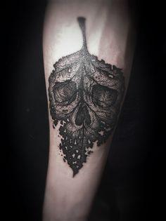 Black leaf skull design, pretty cool huh  #inkinspo