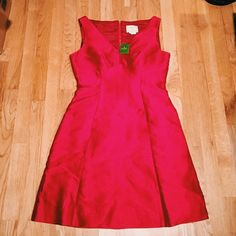 Kate spade A-line red cocktail dress The perfect little red fitted A-line dress. A true knockout. Wedding season, holiday party or any formal occasion. In perfect condition and has never been worn. Received it as a Christmas present and it's sat in my closet ever since. Tag on. kate spade Dresses Midi