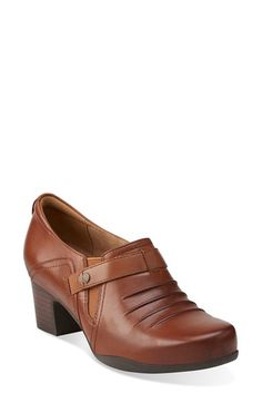 Free shipping and returns on Clarks® 'Rosalyn Nicole' Pump (Women) at Nordstrom.com. A pleated finish intensifies the vintage sophistication of a casual leather pump grounded with a comfort-focused OrthoLite®insole.