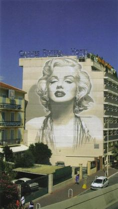 Marilyn Monroe mural painted on a building in Cannes.
