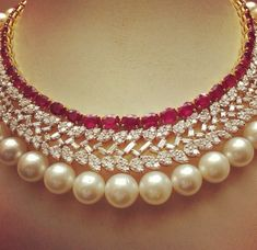 Diamond, ruby and pearl necklace. Love it <3