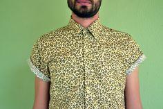 Camisa Unissex estampa Print de Oncinha.  Confere la na nossa loja: www.caramellocarmim.com.br