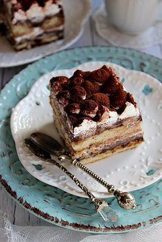 Kedvelem azokat a süteményeket, amikhez nem kell bekapcsolni a sütőt, ez főleg nyáron értékelendő... Ezzel a gyöngy...