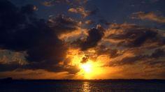 TIME LAPSE :: Beautiful Ocean Sunrises & Sunsets (1080p FULL HD)