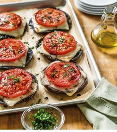 Portabella Caps with Roasted Tomato and Mozzarella Galbani Cheese Authentic Italian Cheese Vegetable Recipes, Vegetarian Recipes, Cooking Recipes, Healthy Recipes, Vegetarian Barbecue, Barbecue Recipes, Vegetarian Cooking, Veggie Food, Cooking Tips