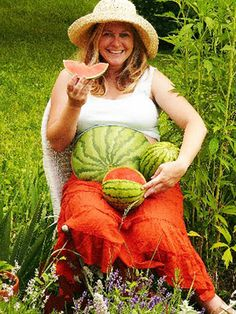 I'm going to try to be a watermelon salesperson this year for Halloween.  I was going to get a t-shirt with a watermelon on the belly, but I suppose I could paint my belly instead!