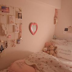 Bedroom ideas for modern to rustic schemes. Tips and tricks for creating a master bedroom decor. Cute Room Ideas, Cute Room Decor, Pastel Room, Pink Room, Girls Bedroom, Bedroom Decor, Bedrooms, Bedroom Furniture, Bedroom Ideas
