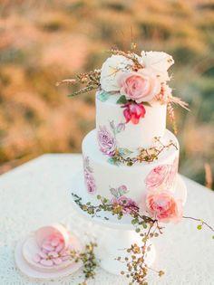 #weddingcake #pie#wedding - Call Me Madame - A French Wedding Planner in Bali - www.callmemadame.com