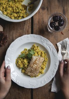 Seared cod and grilled cauliflower couscous. Cauliflower Couscous, Grilled Cauliflower, Risotto, Clean Recipes, Healthy Recipes, Grilled Cod, Nordic Recipe, Ayurvedic Recipes, Mediterranean Recipes
