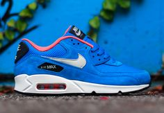 "Nike Air Max 90 ""Dark Electric Blue"" - SneakerNews.com"