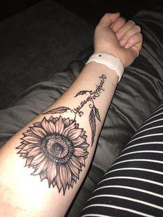 Dream Tattoos, Cute Tattoos, New Tattoos, Luna Tattoo, I Tattoo, Tattoo For Son, Sunflower Tattoos, Body Mods, Black And Grey Tattoos
