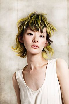 this is my next hair coloring goal/ awesome colors, wasted in this ugly chick with a bad cut. Love Hair, My Hair, Hair Inspo, Hair Inspiration, Hairstyles With Bangs, Cool Hairstyles, The Wicked The Divine, Yellow Hair, Neon Yellow