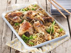 Honey Chicken Noodles - SERVES Preparation: 5 min Cooking: 35 min 6 chicken pieces 125 ml (½ c) chicken stock 150 g. Honey Chicken, Noodle Recipes, Your Recipe, Test Kitchen, Budget Meals, Tasty Dishes, Food Inspiration, Love Food, Chicken Recipes