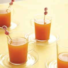 Cozy Cocktails: Signature Drinks for Fall Weddings