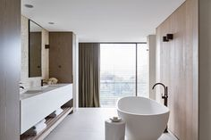 Sydney based interior design firm Lawless & Meyerson specialise in creating tactile, layered, luxurious spaces for their harbourside clients. Whether… Read More