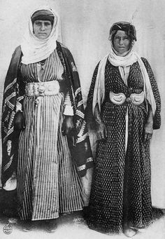 The hijab has become a symbol of Islam, and is almost inseparable from Islam. The origin of the hijab and its variants (the burqa and niqab), however, lie before the advent of Islam. Folk Costume, Costumes, Abraham And Sarah, Naher Osten, Islam, Kurdistan, Christen, My Heritage, People Of The World
