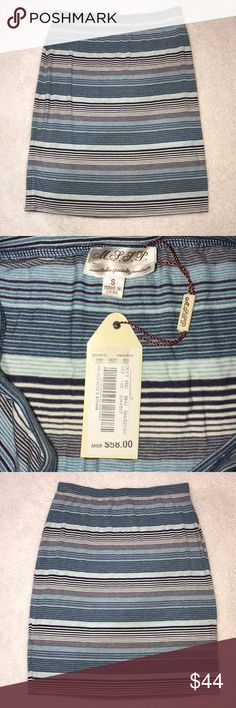 Max Studio Specialty Products Blue Striped Skirt Max Studio Specialty Products Blue Navy Blue and White Striped Skirt New With Tags Size Small  Skirt length is 21.5 inches Max Studio Skirts